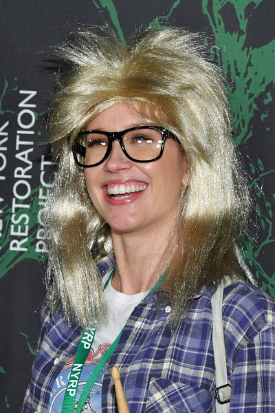 Anna Camp Wigs [eyewear,hair,glasses,blond,hairstyle,vision care,design,fun,long hair,feathered hair,bette midler,arrivals,anna camp,the new york restoration project,cathedral of st. john the divine,new york city,new york restoration project,2017 hulaween event,event,hulaween]