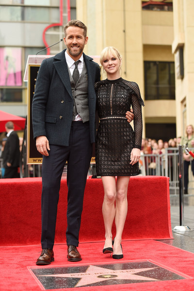 Anna Faris Lace Dress [ryan reynolds honored with star on the hollywood walk of fame,red carpet,carpet,red,fashion,flooring,dress,suit,event,premiere,human,ryan reynolds,star,anna faris,hollywood,california,l,ceremony,hollywood walk of fames]