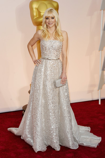 Anna Faris Strapless Dress [gown,wedding dress,flooring,dress,bridal clothing,carpet,fashion model,beauty,lady,fashion,hollywood highland center,california,87th annual academy awards,arrivals,anna faris]