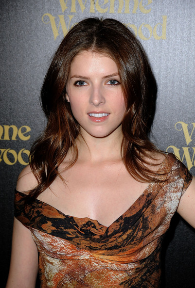 Anna Kendrick Long Center Part [hair,hairstyle,brown hair,eyebrow,beauty,chin,layered hair,long hair,shoulder,blond,arrivals,anna kendrick,vivienne westwood,store,los angeles,california,melrose,party,party]