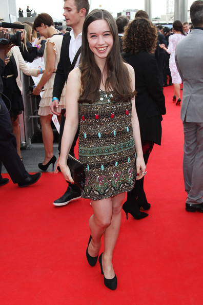 Anna Popplewell Clothes