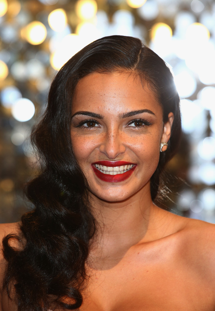 Anna Shaffer looked oh-so-lovely with this retro hairstyle at the British Soap