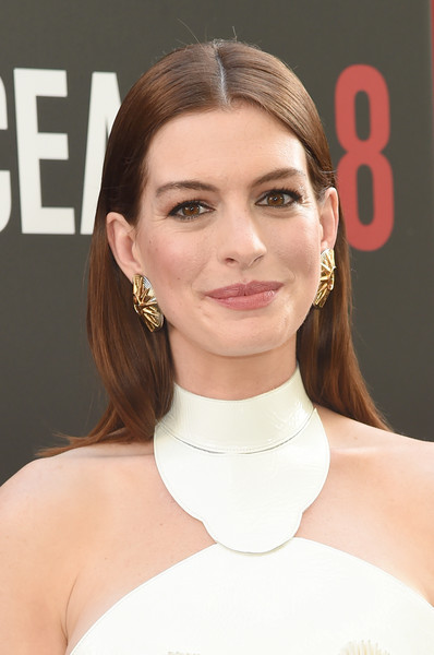 Anne Hathaway Long Straight Cut [hair,face,hairstyle,eyebrow,skin,chin,beauty,shoulder,lip,neck,anne hathaway,world premiere,oceans 8,new york city,alice tully hall]