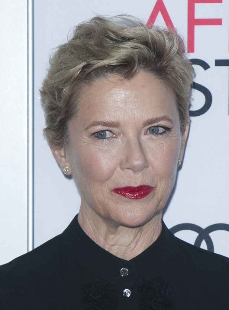 Annette Bening Messy Cut Short Hairstyles Lookbook