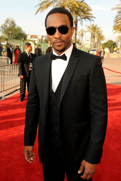 Anthony Mackie Aviator Sunglasses
