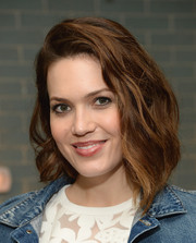 Mandy Moore sported a teased wavy 'do during Anthropologie's celebration of 'A Denim Story.'