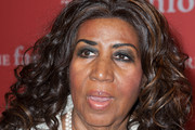 Aretha Franklin Medium Curls