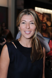 For a change, Nina Garcia pulled her hair back in a loose ponytail during Mercedes-Benz Fashion Week.