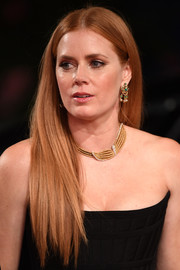 Amy Adams accessorized with gorgeous gemstone chandelier earrings by Neil Lane.