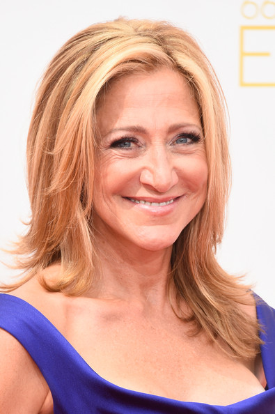 Edie Falco wore her hair down in feathered layers during the Emmys.
