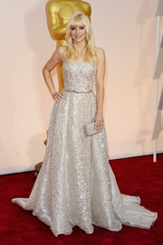 Anna Faris brought major sparkle to the Oscars red carpet with this fully beaded strapless gown by Zuhair Murad Couture.