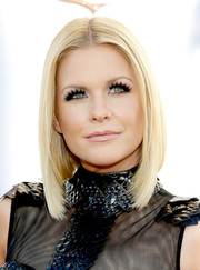 Carrie Keagan styled her hair in a hip asymmetrical bob for the American Country Awards.