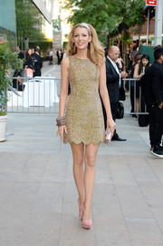 Blake Lively added inches to her super-long legs with a pair of pale-pink platform pumps by Casadei.