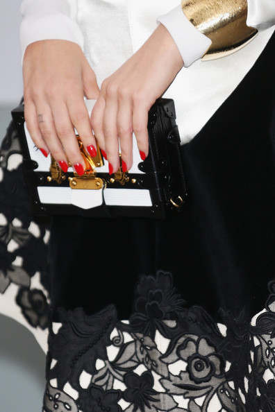 More Pics of Riley Keough Box Clutch (1 of 6) - Riley Keough Lookbook - StyleBistro [bold films,handbag,fashion,bag,hand,dress,nail,fashion accessory,joint,street fashion,material property,arrivals,riley keough,clutch detail,worldview,hotel du cap-eden-roc,cap dantibes,amfar,bvlgari,cinema against aids gala]
