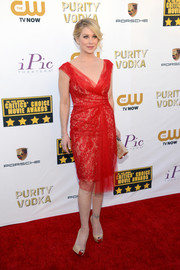 Christina Applegate looked exquisite at the Critics' Choice Awards in a red lace and tulle cocktail dress by Marchesa.