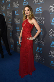 Emily Blunt looked hot in a fitted gown with a flowing skirt at the Critics' Choice Movie Awards.