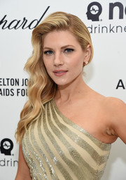Katheryn Winnick wore a very lovely side sweep during Elton John's Oscar-viewing party.