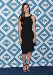Melissa Benoist was all about simplicity at the Fox All-Star party in a sleeveless LBD with an asymmetrical hem.