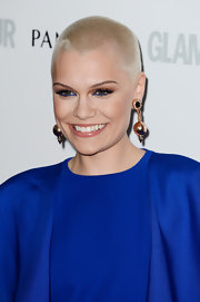 Jessie J's electric blue liner totally made her beauty look pop!