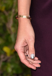 Katie Holmes' nails looked so festive with their glittered tips at the 2015 Golden Globes.