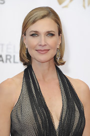 Brenda Strong's sleek and straight 'do was perfect for an elegant red carpet.