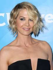 Jenna Elfman looked darling with her short wavy 'do during NBCUniversal's Summer Press Day.