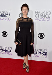 Bellamy Young paired her frock with black lace-accented strappy sandals.