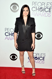 Black slim-strap sandals by Aldo completed Ariel Winter's red carpet attire.