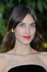 Alexa Chung's rich red lipstick provided a beautiful contrast to her blue eyes.