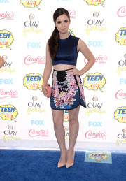 Vanessa Marano joined the crop-top bandwagon with this sleeveless blue number at the Teen Choice Awards.