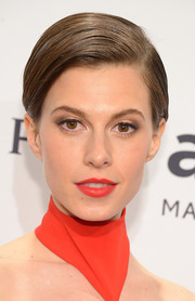 Elettra Wiedemann kept it neat and simple with this short side-parted 'do at the amfAR New York Gala.