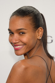 Arlenis Sosa kept her look youthful with this girl-next-door ponytail when she attended the amfAR New York Gala.