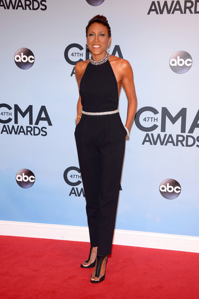Robin Roberts rocked a sexy black jumpsuit with a bedazzled neckline during the CMA Awards.