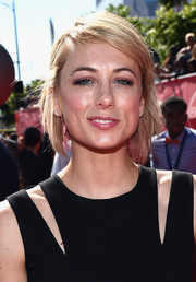 Iliza Shlesinger attended the ESPYs wearing this hip layered razor cut.