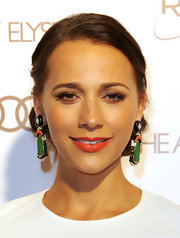 Rashida Jones wore a bold pair of earrings at the Art of Elysium's 5th Annual Heaven Gala.