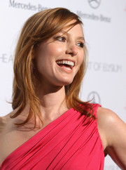 Alicia Witt finished off her look with a casual layered 'do when she attended the Art of Elysium's Heaven Gala.