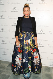 Busy Philipps channeled spring with this voluminous floral skirt by Alice + Olivia during the Art of Elysium's Heaven Gala.