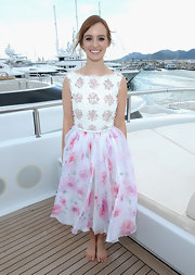Ahna O'Reilly chose a summery flower child look with this dress that featured an embroidered top and a flowing chiffon skirt.