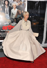 Helen showed off her voluminous taffeta skirt at the 'Arthur' premiere in New York City.