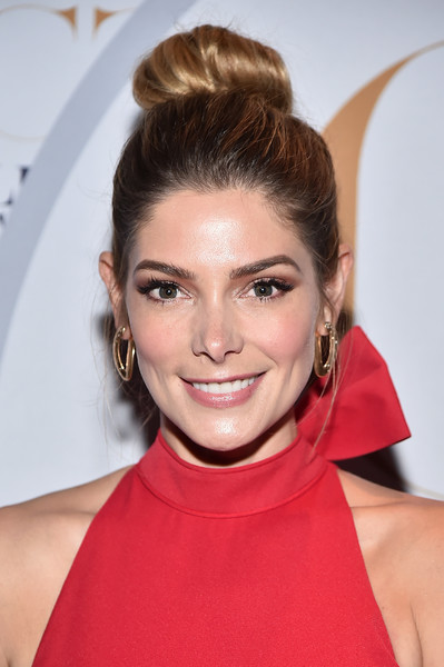 Ashley Greene Classic Bun