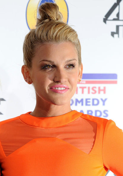 Ashley Roberts Hair Knot