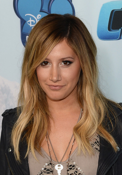 Ashley Tisdale Long Wavy Cut