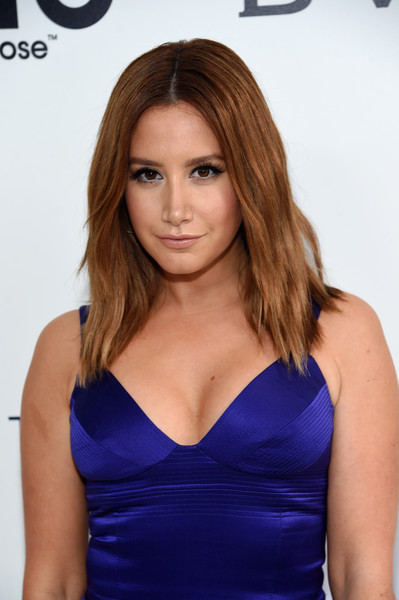 Ashley Tisdale Medium Layered Cut [red carpet,hair,face,hairstyle,brown hair,beauty,blond,shoulder,dress,long hair,layered hair,ashley tisdale,west hollywood park,california,the city,elton john aids foundation,oscar viewing party,academy awards viewing party]