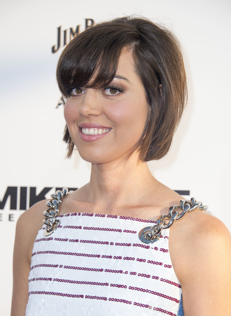 Aubrey Plaza Short Cut With Bangs Aubrey Plaza Looks