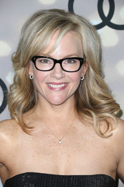 Rachael Harris looked like a doll with her sweet wavy 'do at the Emmy kickoff party.