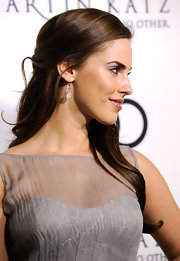 Jessica Lowndes wore her ultra-long locks in a half-up, half-down style while celebrating the 2012 Golden Globe Awards.