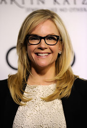 Rachael Harris wore her layered cut sleek and straight with side-swept bangs at the 2012 Golden Globe Awards celebration.