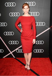 Sarah Rafferty exuded classic elegance in a long-sleeve red dress during the Golden Globes Weekend celebration.