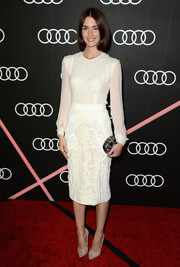 Paz Vega opted for a simple yet smart white Fitriani blouse when she attended the Golden Globes Weekend celebration.