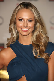 Stacy Keibler attended the grand opening of Audi Beverly Hills wearing a pair of 18-carat gold Copernicus stud earrings.